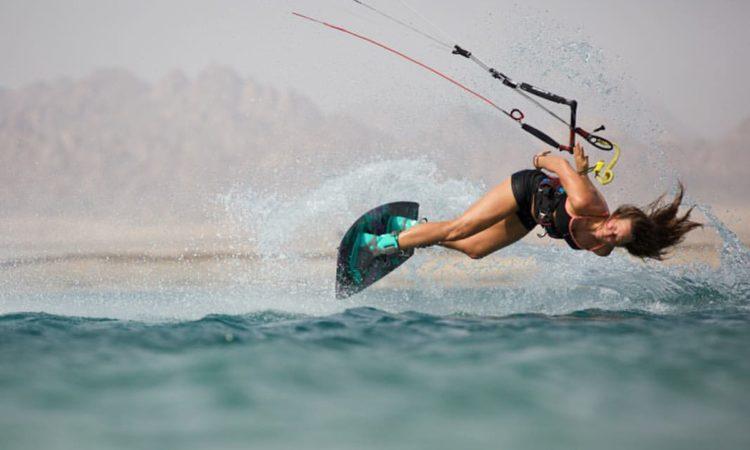 Kitesurf après une grossesse : comment revenir à son sport préféré ?